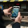 """Smartphone robusto todo en uno con pantalla multitoque de 4.7"""" y Android 6.0"""