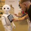 El robot Pepper se convierte en el mayor reclamo tecnológico de la T4 del aeropuerto de Madrid